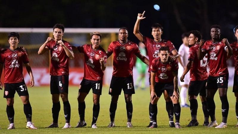 โปลิศเทโรชนะชลบุรี เอฟซี 2-0 มังกรโล่ห์เงินคว้าชัยเกมแรก ในฟุตบอลไทยลีก